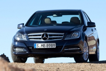 Mercedes-Benz C-Class C300 4MATIC Luxury Sedan