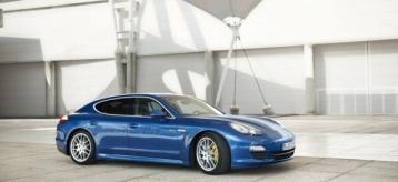 Porsche Panamera S Hybrid Sedan