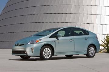 Toyota Prius Plug-In Hyrbid Sedan